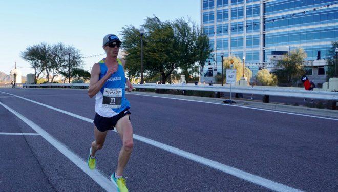Jim Walmsley en el Arazona Half Marathon 2020