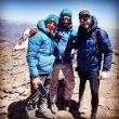 Karl Egloff, Nicolás Miranda y Matías Sergo en la cima del Aconcagua, donde batió el récord de la ruta 360º en febrero de 2020