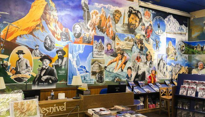 La Librería Desnivel el pasado viernes 13 de marzo 2020 en el momento que cerraba sus puertas por primera vez al público desde 1898 (excepto, suponemos, algún momento de la Guerra Civil).