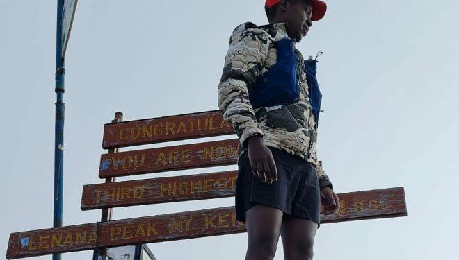 Cheruiyot Kirui en Lenana Point en el Monte Kenia