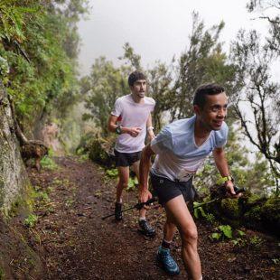 Crístofer Clemente y Biel Ráfols (detrás) en el KV de Jinama en el asalto al récord del Maratón del Meridiano 2021. Foto de Jordi Saragossa