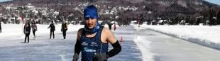 Karim El Hayani en su reto en el lago Beauport en Quebec, donde batió el récord Guinness de media maratón descalzo sobre nieve y hielo