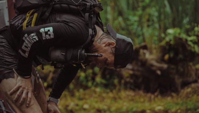 Un corredor en la cuarta etapa de la Volcano Ultramarathon Costa Rica