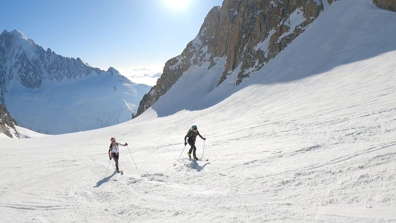 Hillary Gerardi y Valentine Fabre en la travesía Chamonix-Zermatt