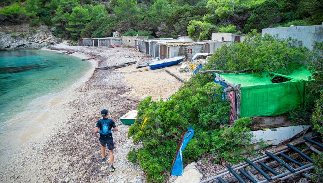 Un corredor en 3 Días Trail Ibiza.