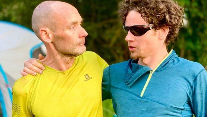 John Stocker y Matthew Blackburn en Suffolk Back Yard Ultra 2021