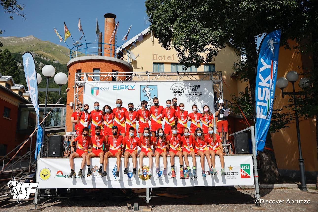 La selección española juvenil de la FEDME en los Campeonatos del Mundo de Skyrunning 2021, en la que vencieron